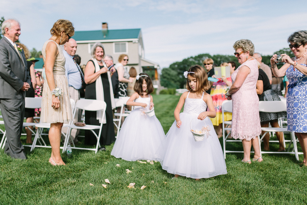 Scarborough_Maine_Wedding_Ceci_Tyler-033.jpg