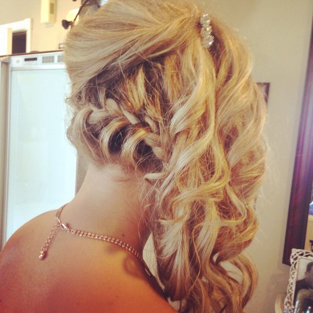 hairstyle In Caledon Ontario for your wedding day