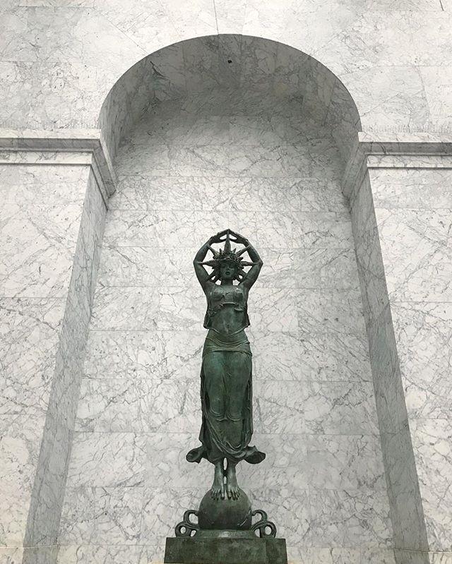 Star Maiden ⭐️ #sanfrancisco #sculpture