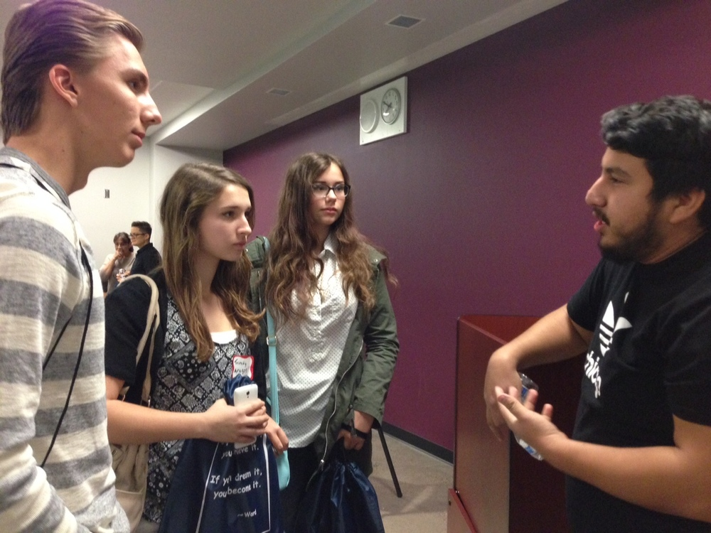 Roque speaks with students About his experiences