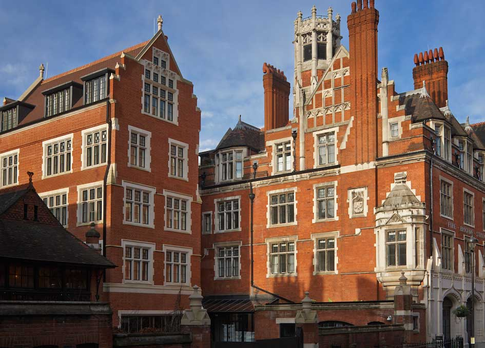 Chiltern Firehouse London Review, Discover and Escape 2014 celebrities, Cara Delevingne, Harry Styles, Rihanna, Sienna Miller, Kanye West, Lindsay Lohan, Bradley Cooper, Suki Waterhouse