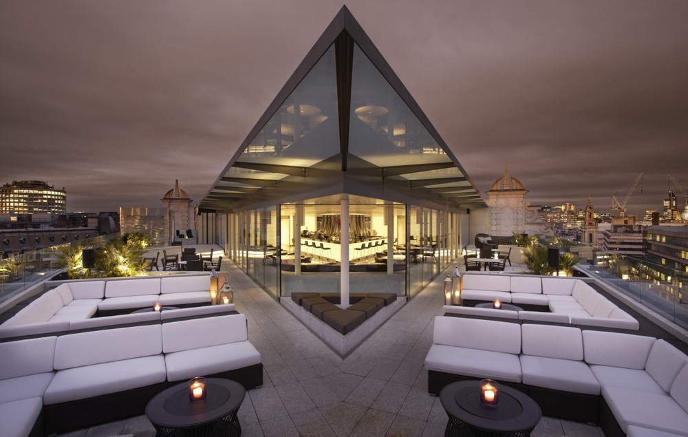 Discover & Escape review Radio Rooftop bar at Me London Hotel August 2014