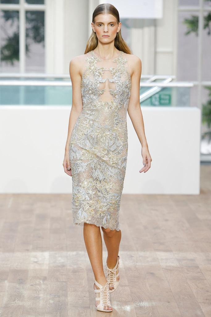 Julien Macdonald SS15 LFW Discover and Escape Review 15.jpg