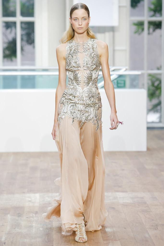 Julien Macdonald SS15 LFW Discover and Escape Review 17.jpg