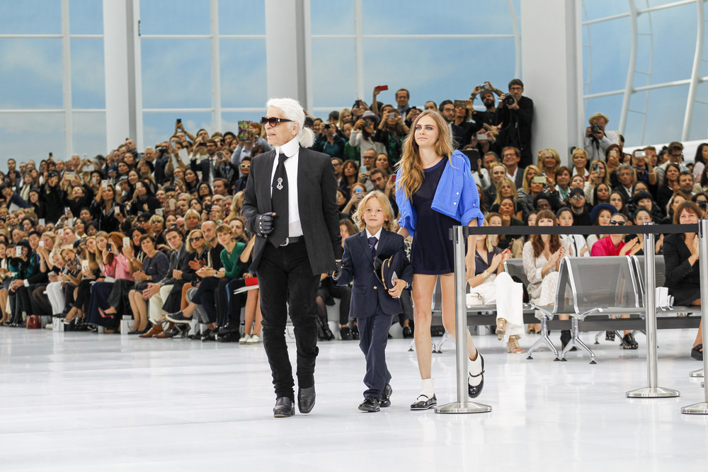 Chanel Spring Summer 2015 Show – Chanel Airlines – Discover and Escape cara delevingne