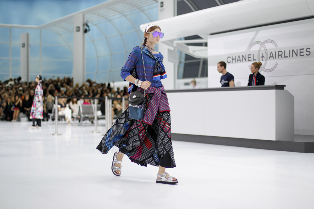 Chanel Spring Summer 2015 Show – Chanel Airlines – Discover and Escape