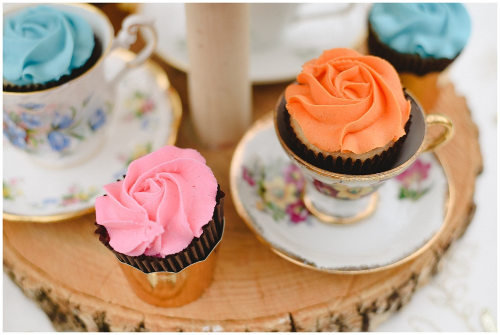 Arynn Photography, Styled Wedding, Toronto Weddding Photographer, Durham Wedding Photographer, Wedding Planner Magazine, pastel cupcakes, wedding cupcakes, teacups