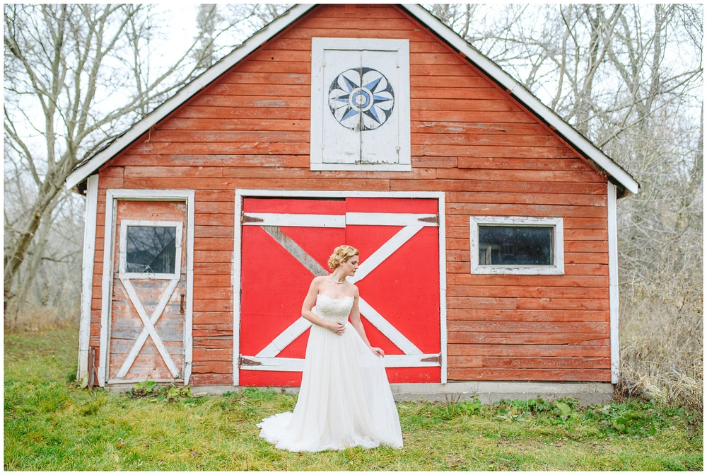 Arynn Photography, Styled Wedding, Toronto Weddding Photographer, Durham Wedding Photographer, Wedding Planner Magazine, barn wedding