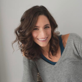 Kelsey Abbott   Confidence Coach, Writer + Founder of Find Your Awesome
