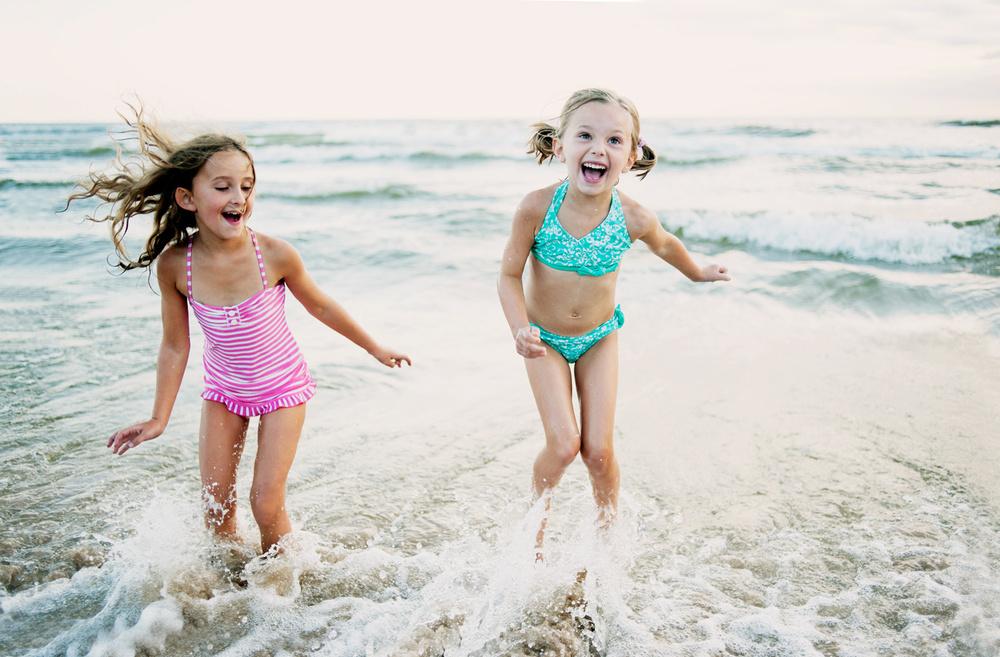 lifestyle_beachgirls.jpg