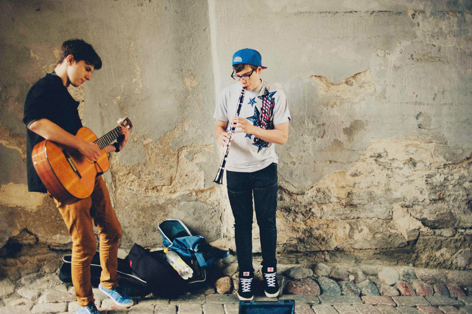 Rocking teenage street musicians in Tallinn.    goo.gl/FVxc1X