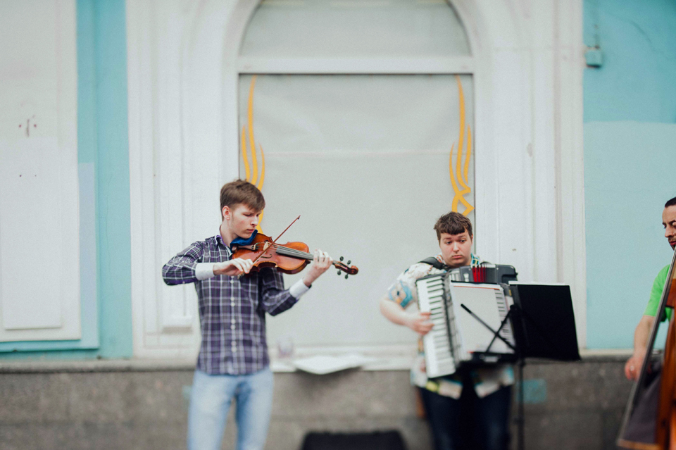 Street performers in St. Petersburg, Russia.