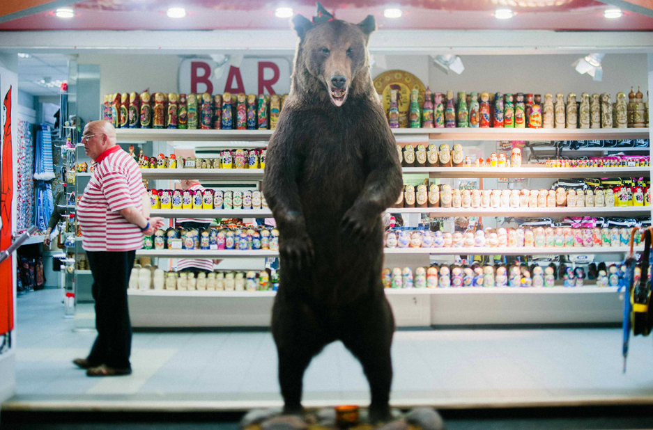 Get your souvenirs right behind that giant dead bear. St. Petersburg, Russia.