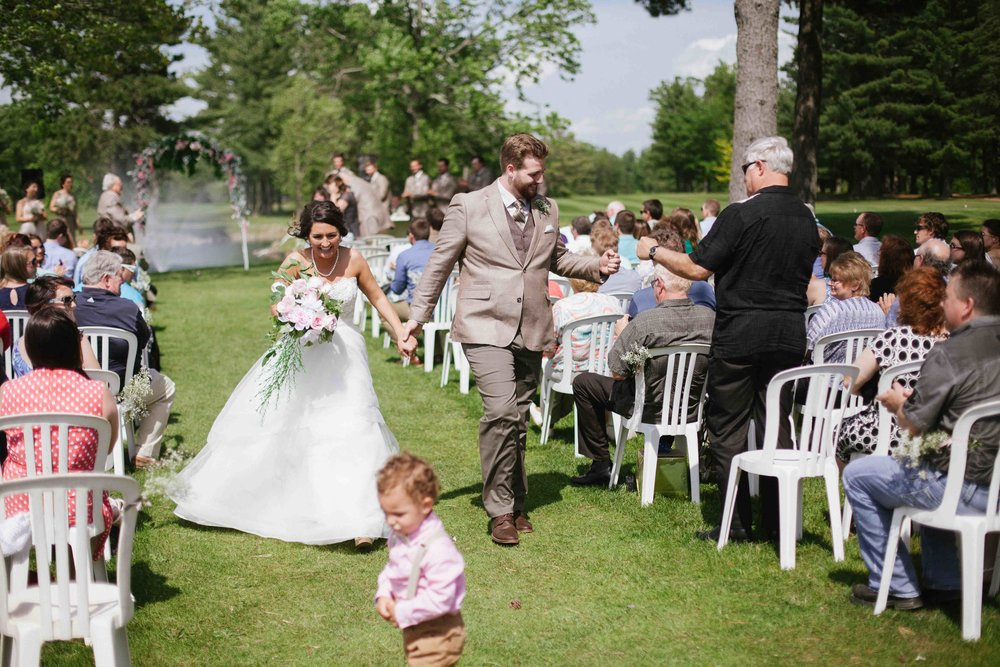 outdoor wedding the ridges golf course wisconsin rapids wedding photography