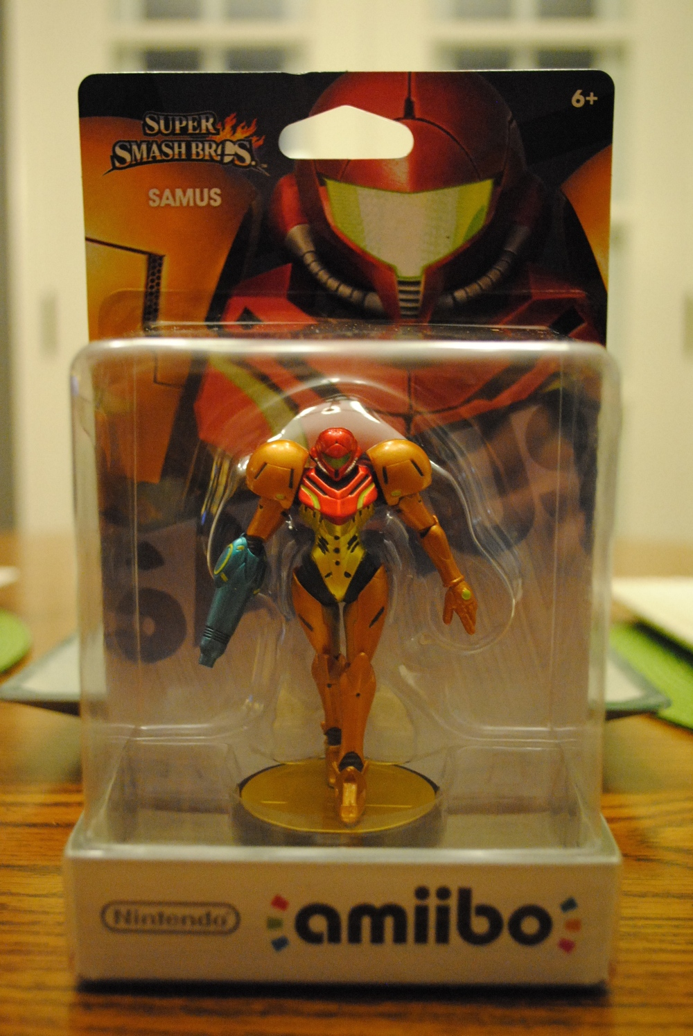 amiibo_samus_in_box