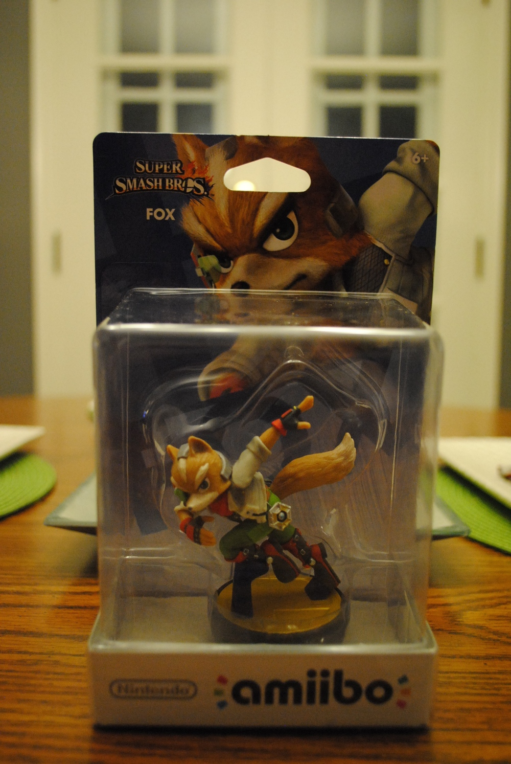 amiibo_fox_mccloud_in_box