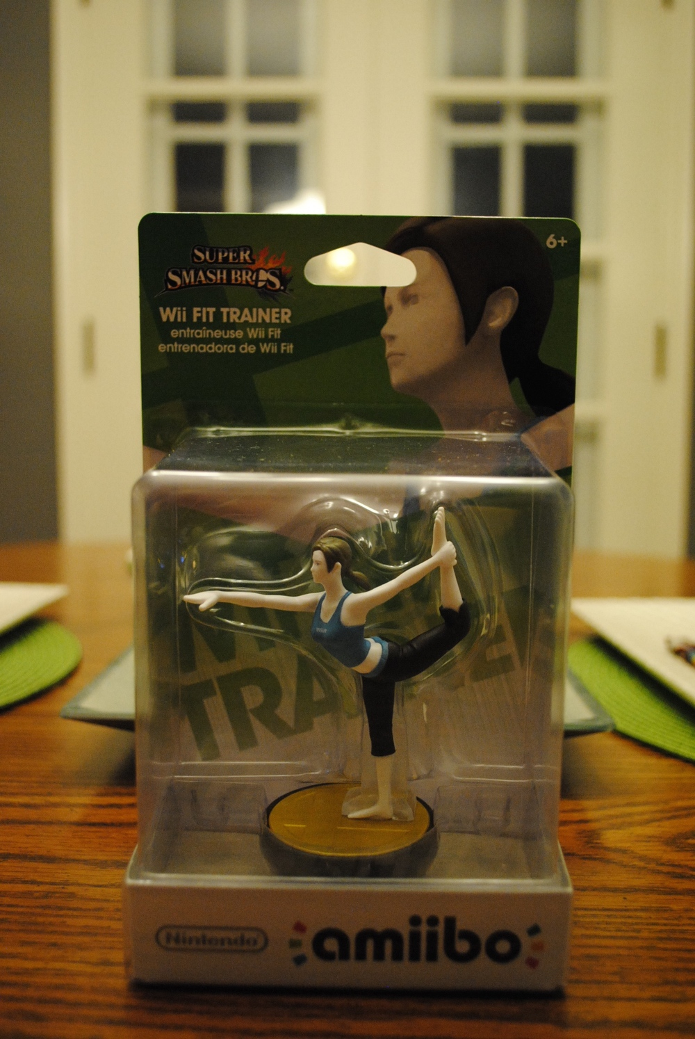 amiibo_wii_fit_trainer_in_box