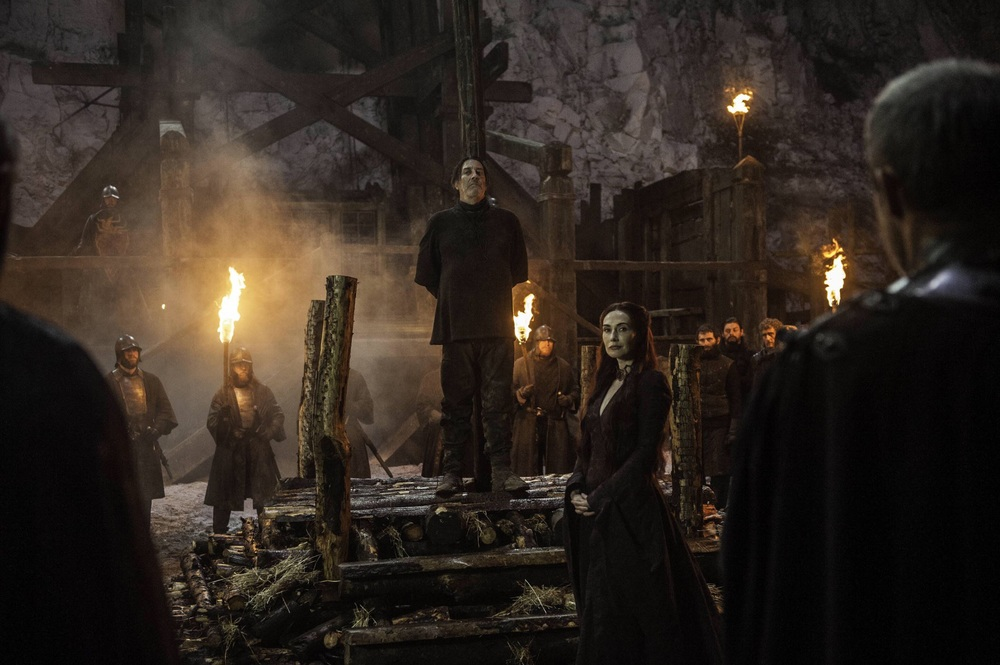 Mance Rayder prepares for Melisandre's fire.
