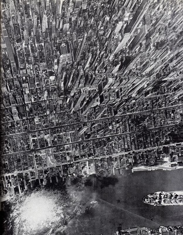 Aerial-View-Manhattan-Andreas-Feininger-NYC-1944-Black-and-White.jpg