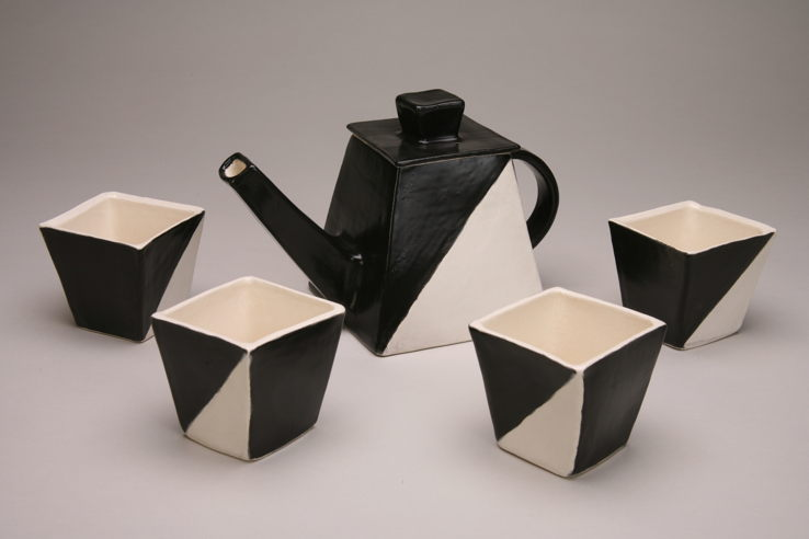 Black & White Tea Set