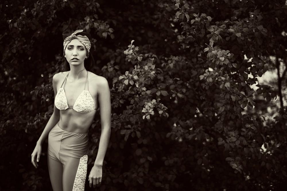 NataliePerkingsSwimsuit 10.jpg
