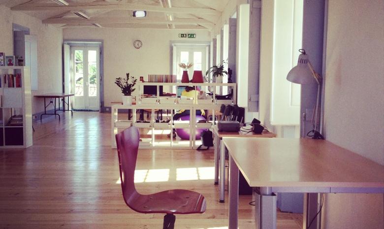 CoLab-desks