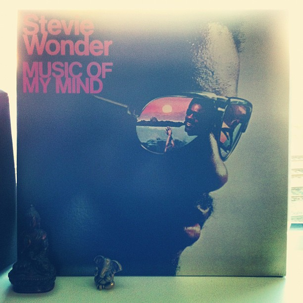 #StevieWonder plays every instrument on #MusicOfMyMind. Beautiful record, prime Stevie! (at my turntable)