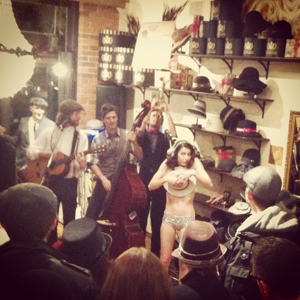 @mariaintheshower @goorinbros Burlesque & Hats!!! (at Goorin Bros. Hat Shop)
