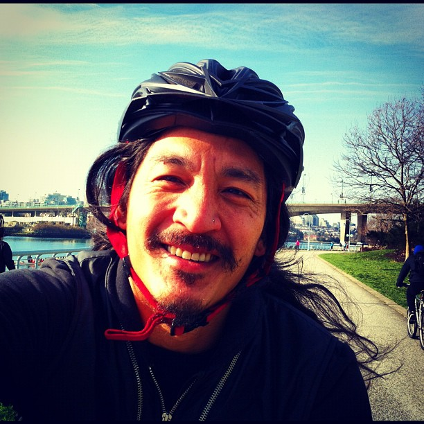 One of those mornings where you don't mind accidentally biking 5km into work - for once I'm early, by a week no less! So I grabbed porridge and coffee and chatted with the staff and members of the Coast Resource Centre. Back on the bike while the all-too-rare winter Sun is out. (at Vancouver Sea Wall)
