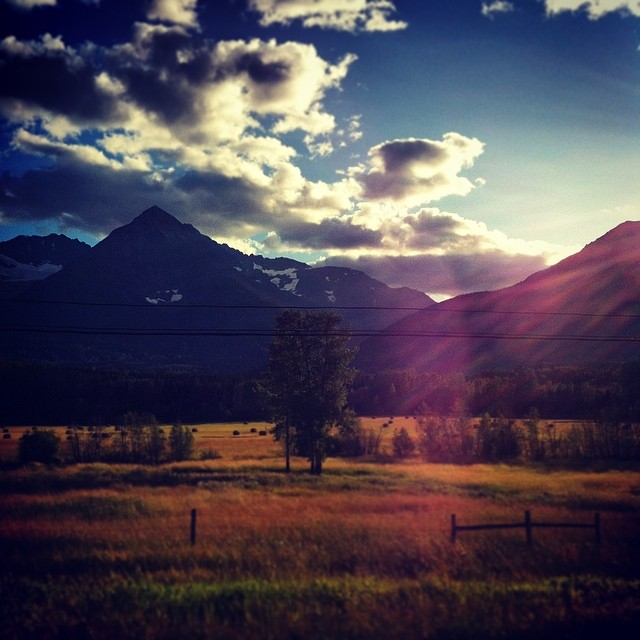 Passing through some really gorgeous country on our way to Prince Rupert #bcfestivals #edgeoftheworld #smithers #haidagwaii #beauteous  (at Smithherrsss!)