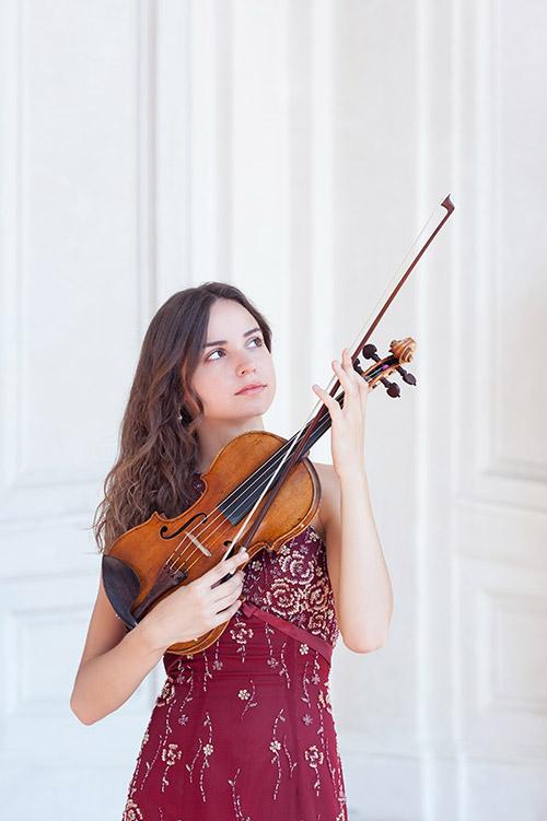 Ekaterina Valiulina,  violino