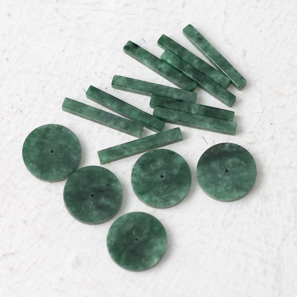 Natural Jade from Myanmar and craft in Hong Kong. 100% quality guarantee