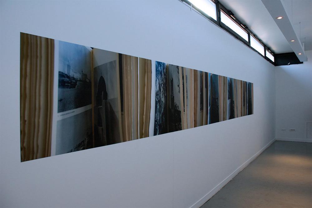 Tourner la page / Lisa Blas  Installation view Galerie Commune Université de Lille 3, Tourcoing, France 2011