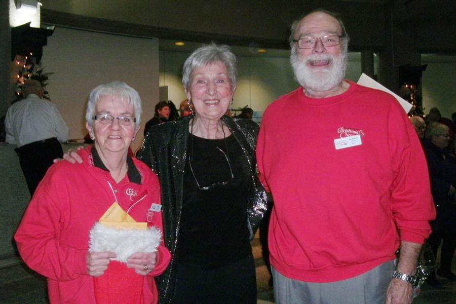 Parkview Sings - Marge Wagner retires.jpg