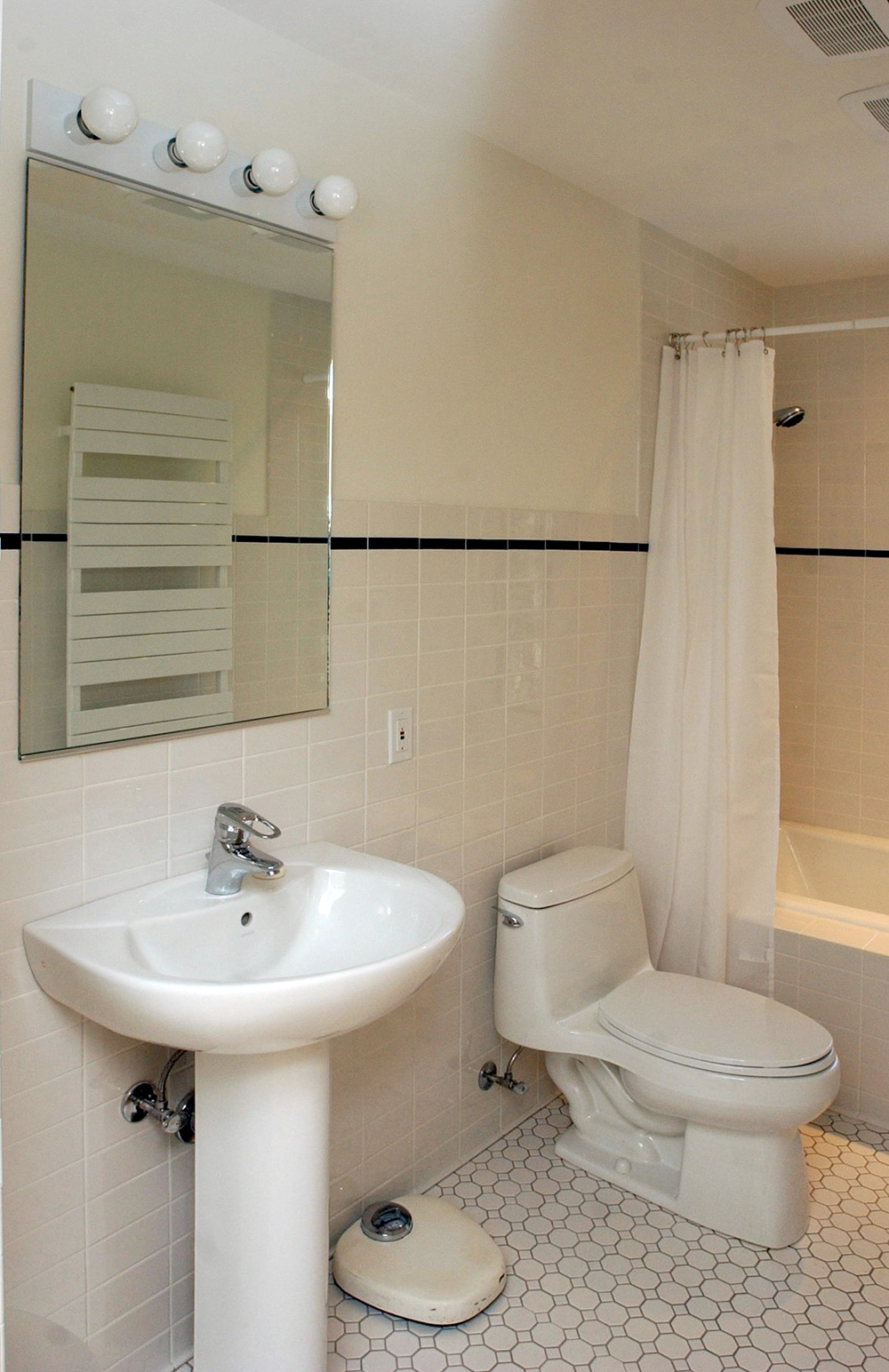 Brandes Interior Bathroom 1.jpg