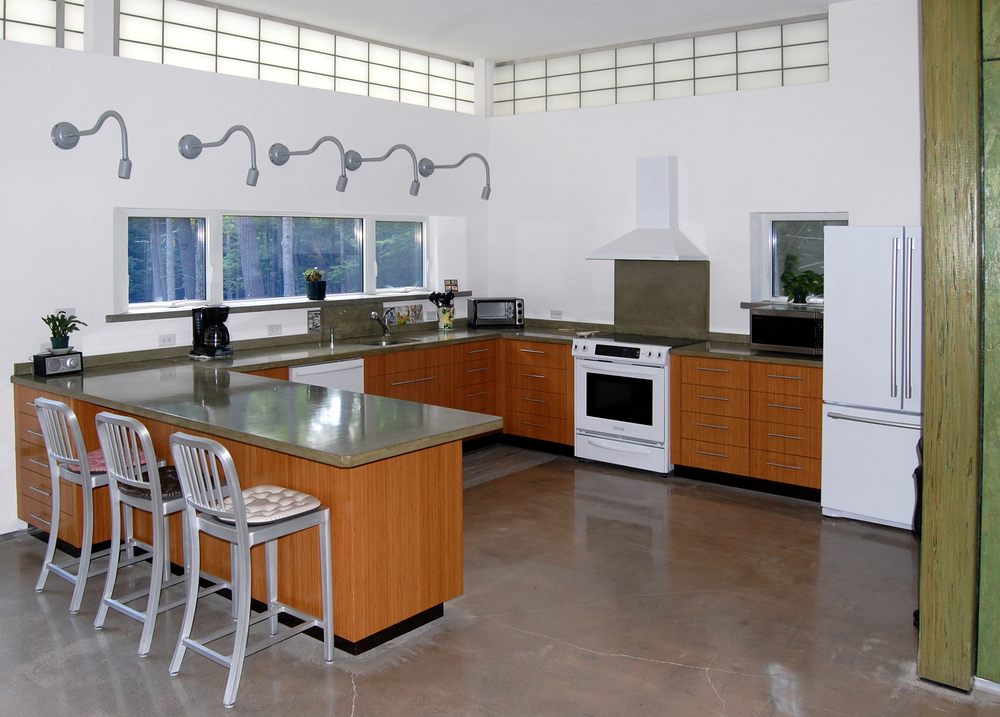 Lonchay kitchen 2.JPG