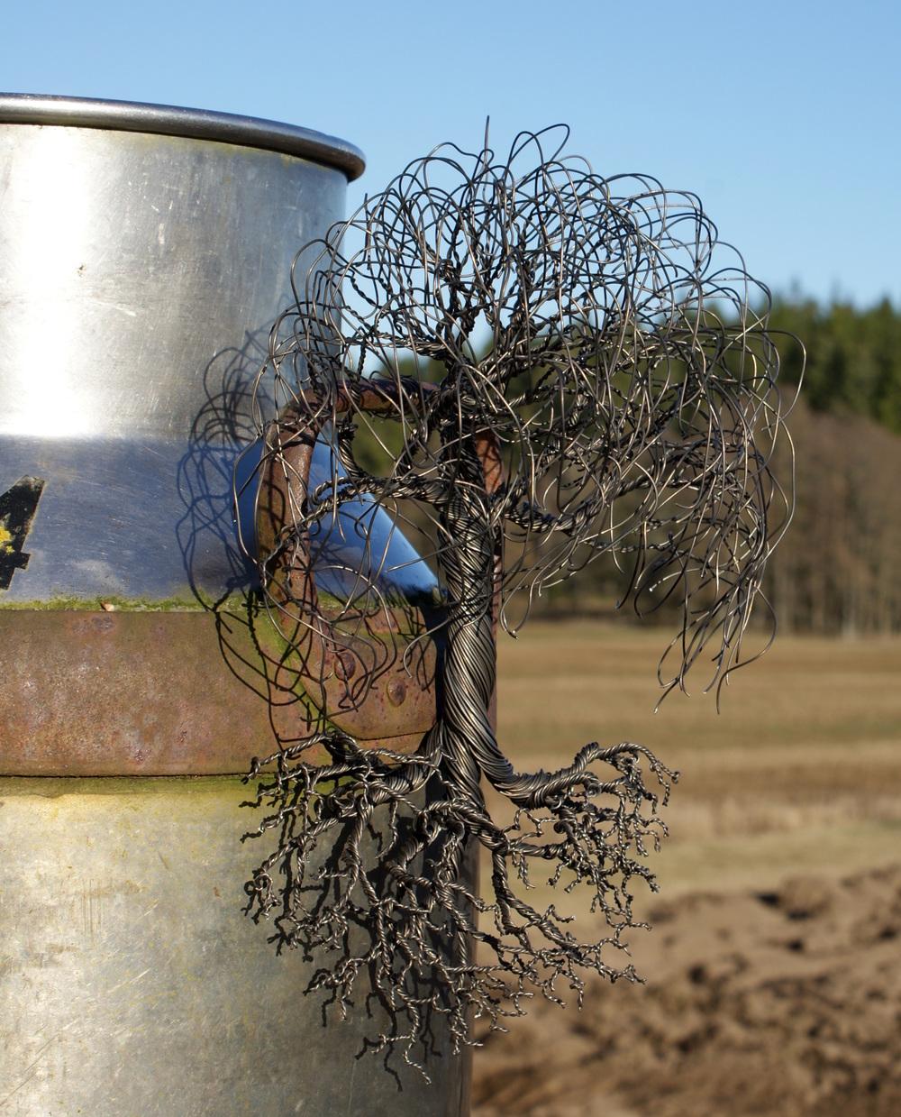 Vägghängt träd med rötter  950kr  Finns även i stor variant: 2800kr