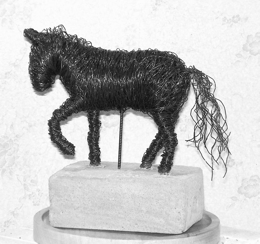 Häst  Pris beroende på storlek, från 1 900kr