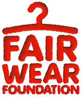 Está garantizado un trato justo y ético a los trabajadores que han participado en la elaboración de nuestras prendas, que han sido auditadas por la Fair Wear Foundation.