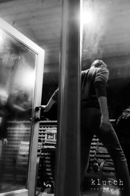 Surrey Family Photographer. Vancouver family photographer, klutch Photography, documentary photography, Vancouver documentary photographer, candid photography, lifestyle photographer, a day in the life session, family photography, Vancouver Photographer, Surrey Family Photographer, White Rock family Photographer, Dina Ferreira Stoddard,steamy door open by man-0666.jpg