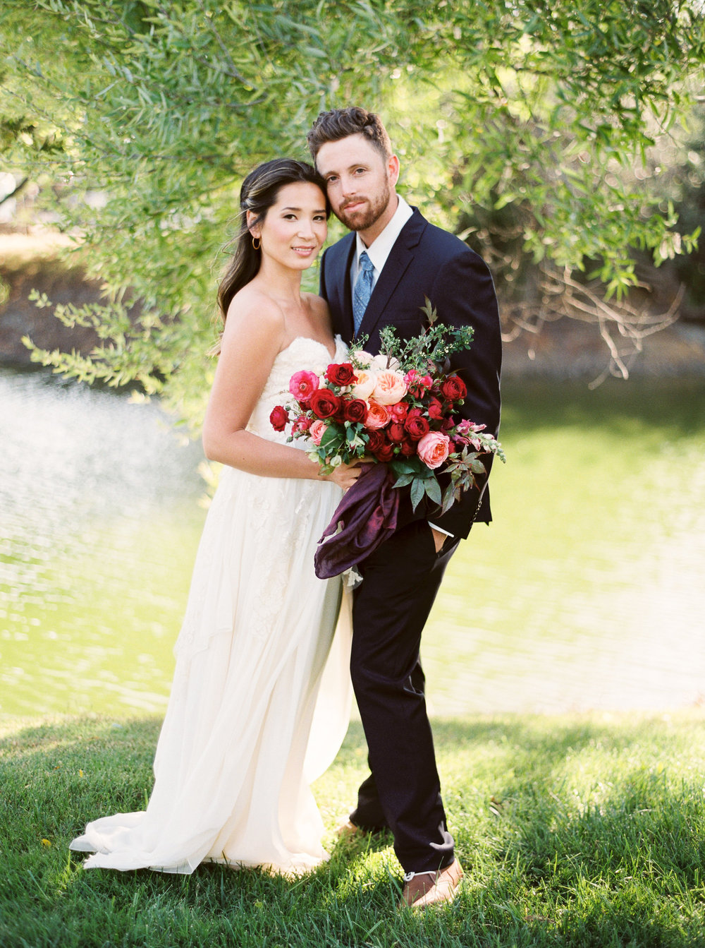 WilderFloralCo_LateSummerHarvest_GreengateRanch_BrideAndGroom