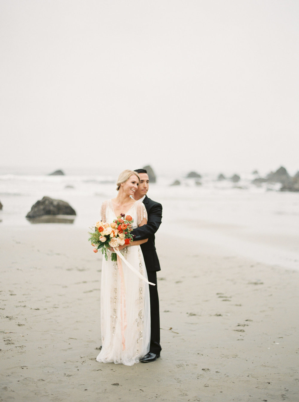 WilderFloralCo_CoastalElopement_BrideAndGroom
