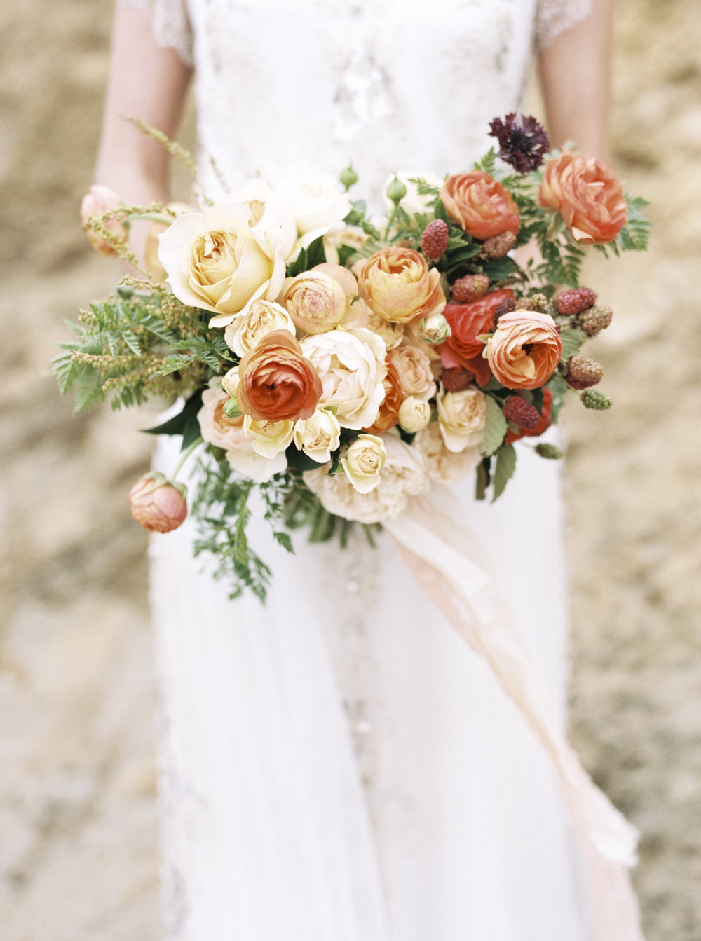 Image by Taralynn Lawton  / Florals by Wilder Floral Co. ©