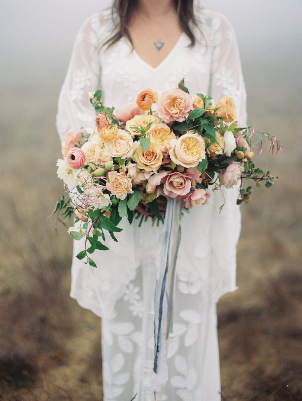 Image by Winsome + Wright  / Florals by Wilder Floral Co. ©