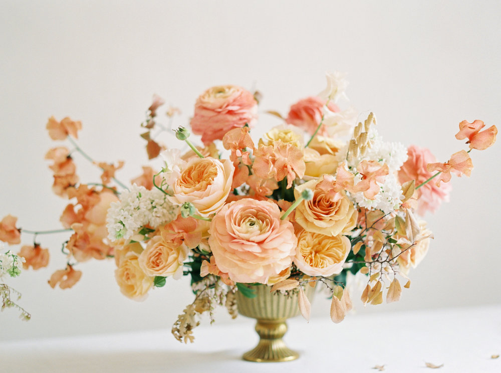 RoseGoldMinimalBeauty-AshleyLudaescherPhotography-0005.jpg