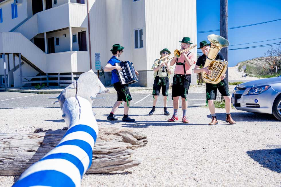 zum-schneider-montauk-2013-maifest-grand-opening-0324.jpg