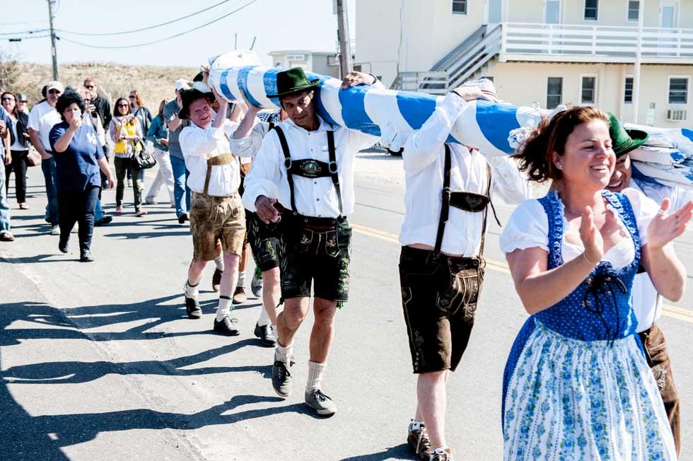 zum-schneider-montauk-2013-maifest-grand-opening-0376.jpg