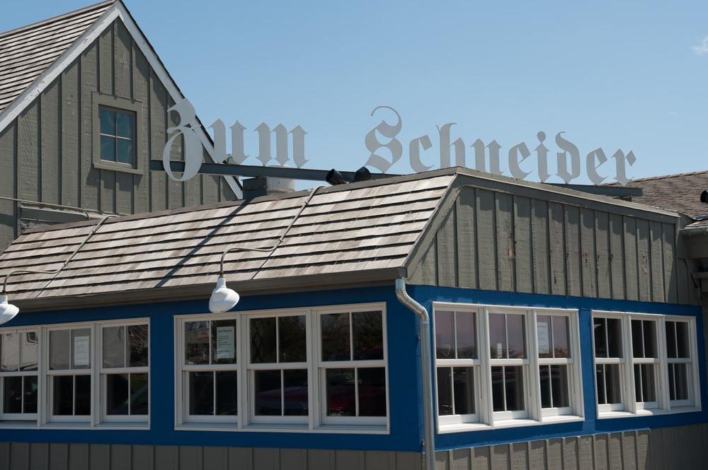 zum-schneider-montauk-german-restaurant-5396.jpg
