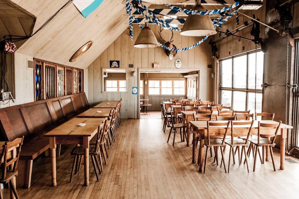 zum-schneider-montauk-german-restaurant-5421.jpg