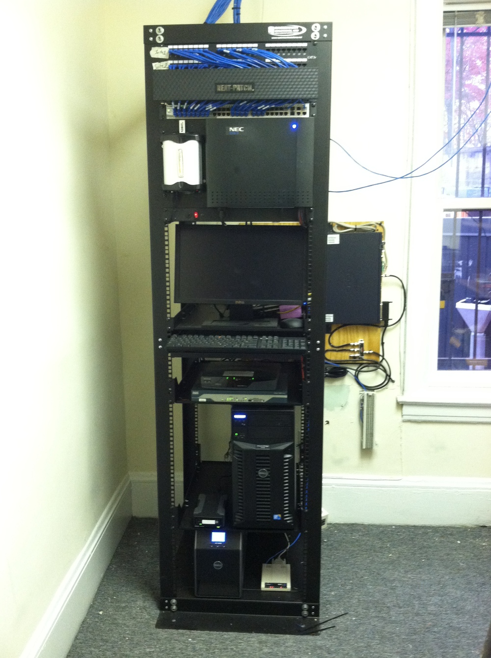 Server & Communication Rack